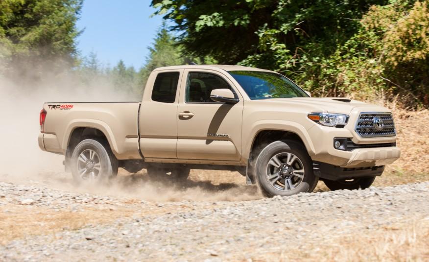 2016-Toyota-Tacoma-TRD-Sport-4x4-1022-876x535