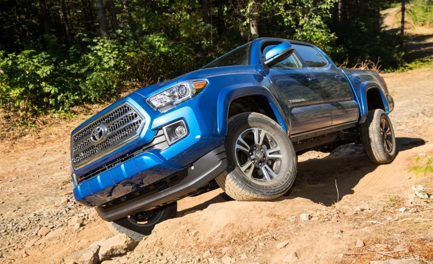 2016-Toyota-Tacoma-TRD-Sport-4x4-1131-876x535