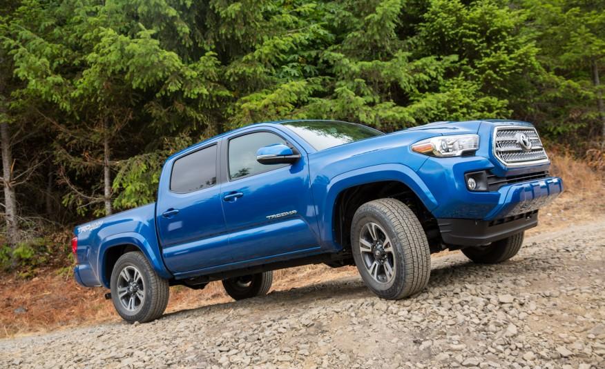2016-Toyota-Tacoma-TRD-Sport-4x4-1141-876x535
